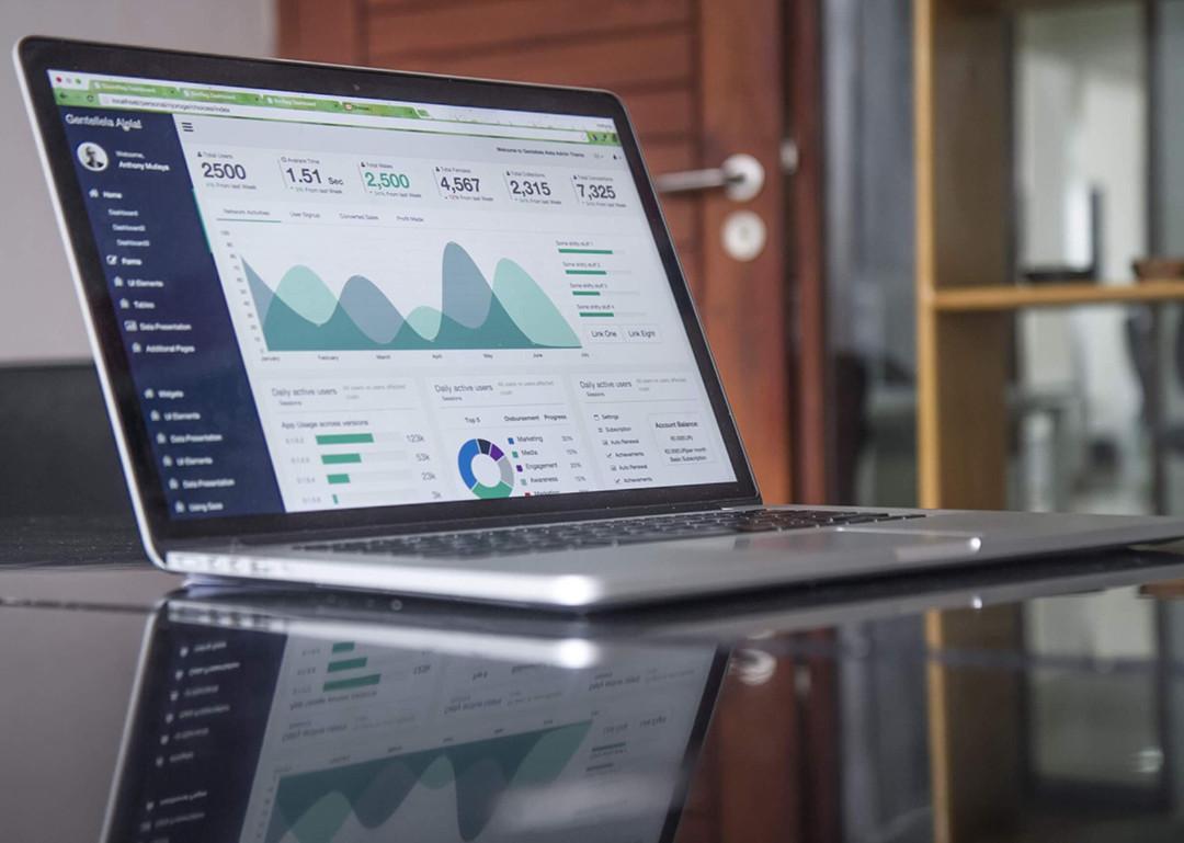 AdWords optimieren Laptop